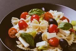 receita-salada-morna-macarrao-agnes-farkasvolgyi